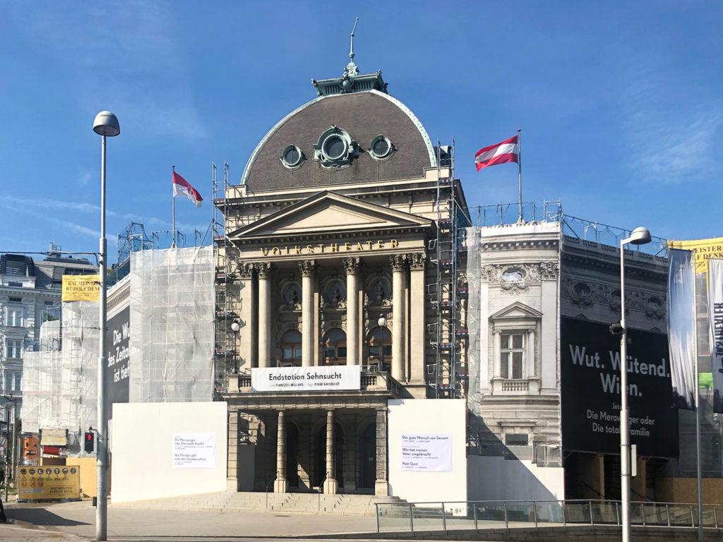Gestartet: Fassadensanierung Volkstheater Wien