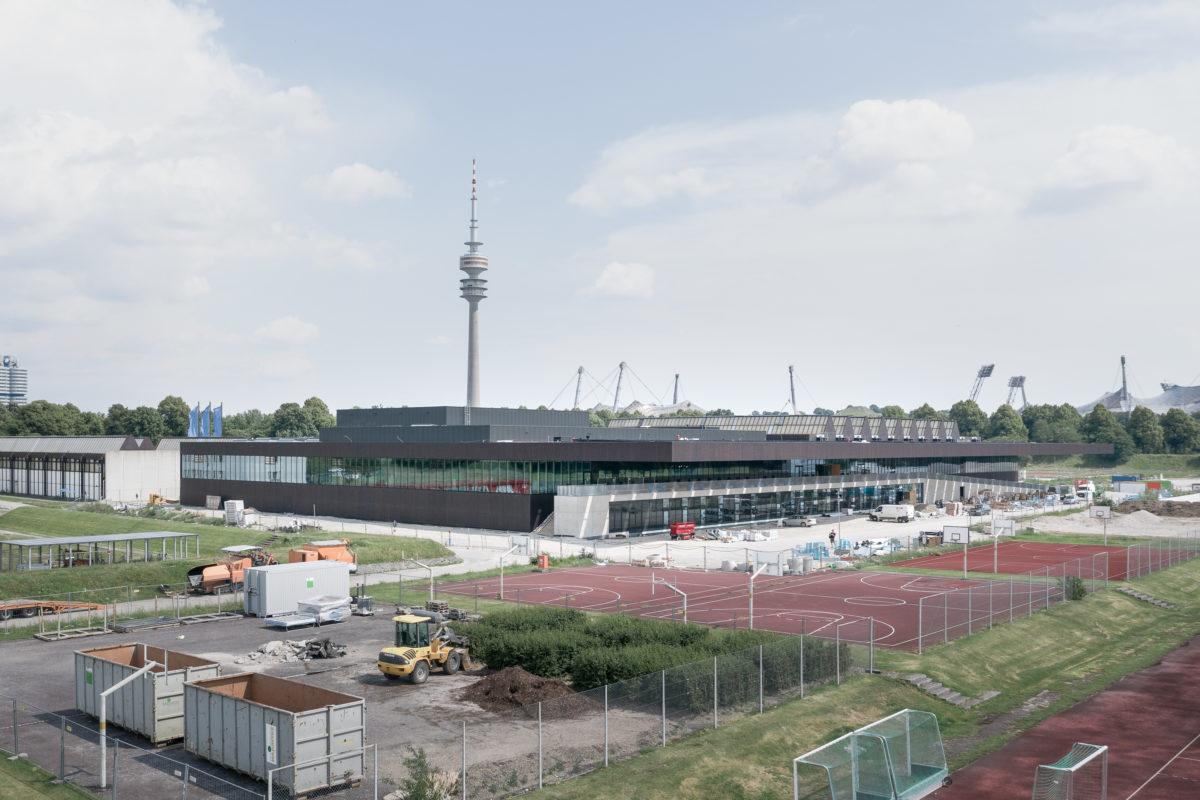 Presse: Baustellenbesuch der Süddeutschen Zeitung am TUM Campus im Olympiapark
